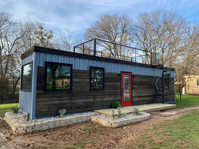 Photo for Beautiful New Container Home 12 min. to Magnolia