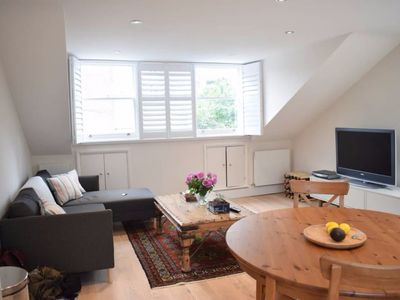 Photo for Cosy 2 Bedroom Home in Hammersmith