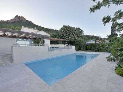 Photo for Wonderful sea view, spa, sauna, private pool, private access to a small inlet