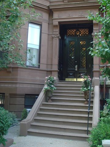 Elegant Back Bay Brownstone - Comm Ave - 1+ Bed - One Week Minimum