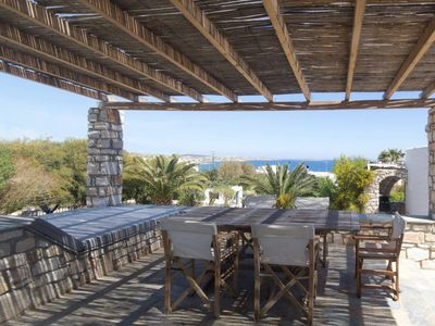 Photo for 4BR Villa Vacation Rental in Naousa