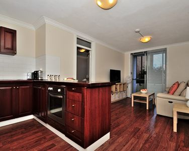 Photo for Mollie's - Apartment in the heart of Fremantle with smart TV and unlimited wifi