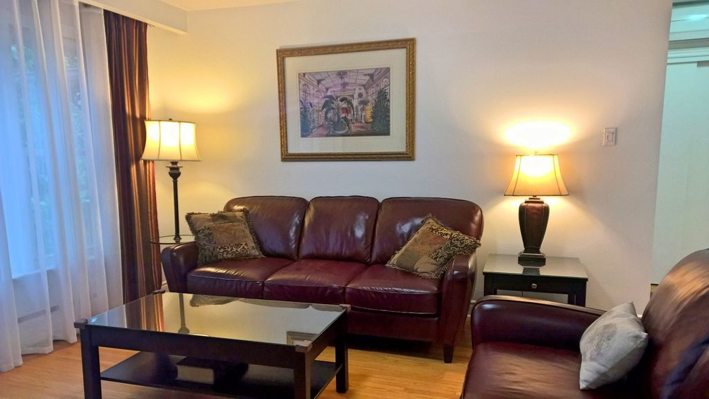 Suite I: Beautiful 2 Bdrm great Shops & Restaurants - Park Free, Walk to Subway