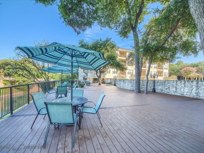 Right on the Comal and across from Schlitterbahn! Pool and river access!
