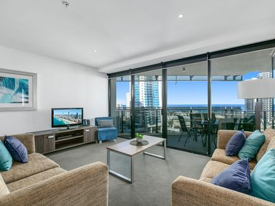 Photo for ♦️ Circle on Cavill – 3 Bedroom Ocean View — We Accommodate