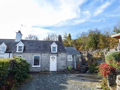 Photo for BRON HEULOG COTTAGE, pet friendly in Llangoed, Ref 925468