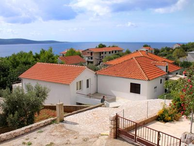 Photo for Apartment in Zavala (Hvar), capacity 4+1