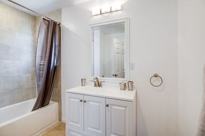 Newly remodeled bathroom with Tub/Shower Combo