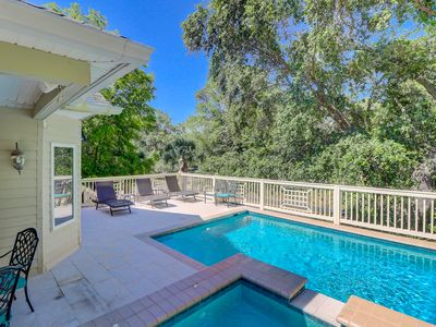 Photo for Pool Deck in Paradise at a Great Price!