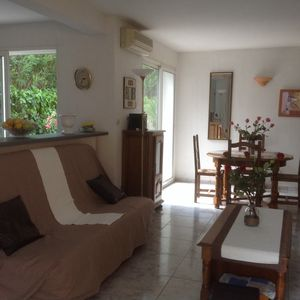 Photo for AGDE CAP POOL SECURE AND PRIVATE BEACH 5MN FEET. VILLA 85 M2