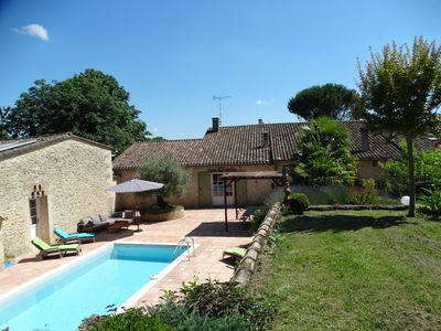 Photo for Quiet and quiet, private pool, near St Emilion and Dordogne River