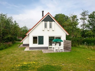 Photo for 4-person bungalow in the holiday park Landal Natuurdorp Suyderoogh - on the coast/the beach