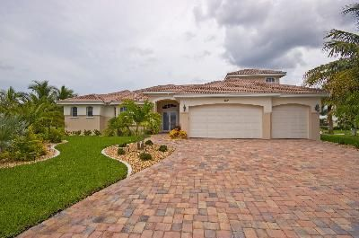 Photo for Holiday house Cape Coral for 2 - 8 persons with 4 bedrooms - Holiday home