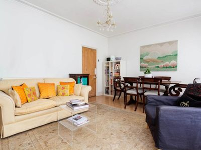 Photo for Cosy 1 bed flat in Fulham close to River Thames (Veeve)