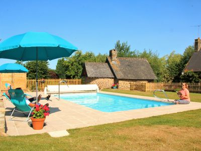Photo for Cosy cottage with heated swimming pool and Wifi