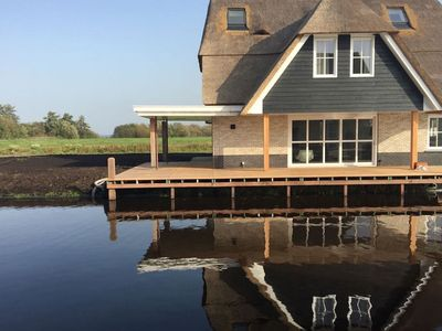 Photo for Beautiful, thatched villa with wellness at the Tjeukemeer