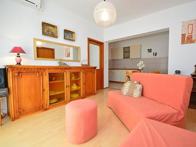 Photo for Apartment in the center of Vodice with Parking, Air conditioning, Balcony (114557)