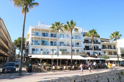 App Vives Right On The Beach 6 Cheap Apartments For 4 7 People Cala Millor