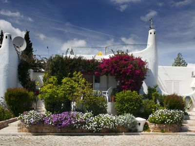 Photo for Pretty 2-bedroom townhouse in  Quinta do Paraiso Country Club