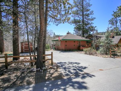 Photo for Sweethearts Sanctuary Downtown 1 BR / Hot Tub/BBQ