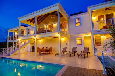 This chic Tortola home-away-from-home has everything for up to 6 lucky guests!