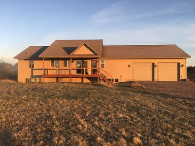 Newer Country Home 5 Minutes From Town