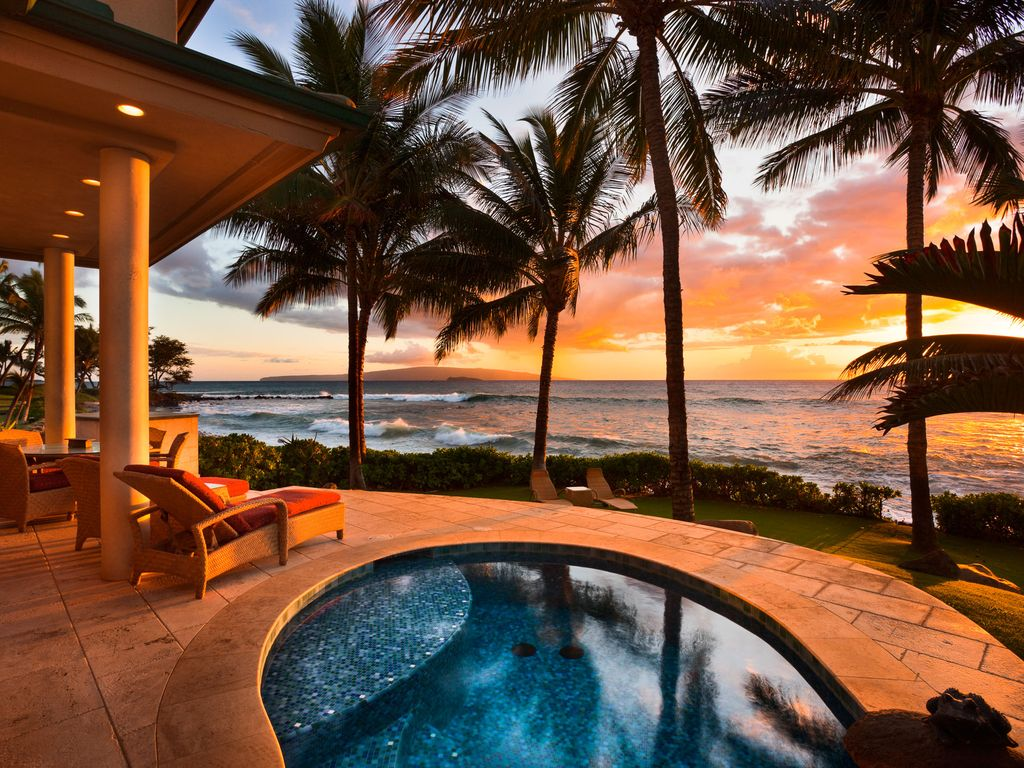 Waterfront Ocean Bliss villa with swimming beach access, heated plunge pool & close to golf