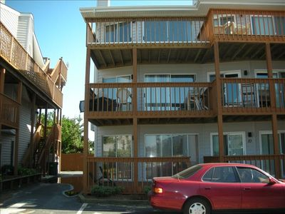 Exterior: this unit is end unit open from 3 sides, not like in between two units