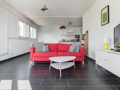 Photo for Large bright holiday apartment, near beach