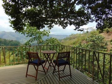 Lovely mountainside home with spectacular views