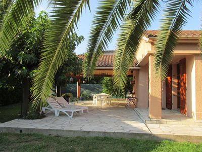 Photo for Villa 600 m from the sea with large terrace on raised closed ground of 1000 m2