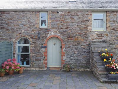 Photo for 2 bedroom accommodation in Three Crosses, Gower, Swansea