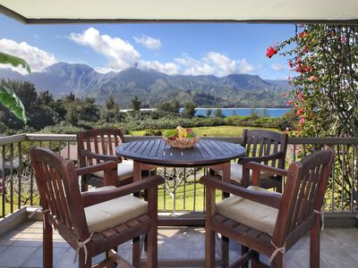 AC WITH VIEWS OF HANALEI BAY & WALK TO THE BEACH!