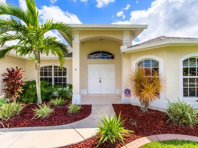 Photo for NW Cape Coral   Off Water   Close to Matlacha, Pine Island & Coral Oaks Golf Course