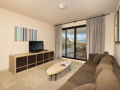 Photo for Spacious 2 bedrooms apartment side sea view