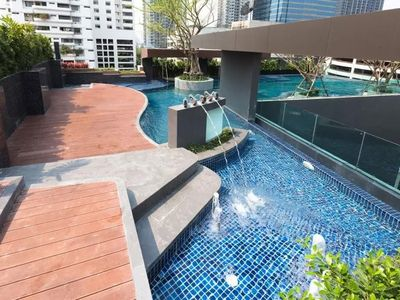 Photo for Luxurious Condo @Heart of Bangkok - Quiet location - Fast Wifi - 24 Hour Checkin