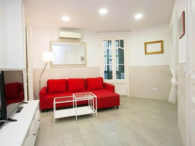 Photo for Cozy two bedroom apartment in l'Eixample