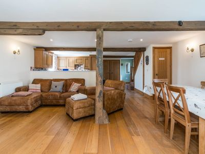Photo for The Coach House - Farmhouse with Private Reservoir & Lake - Sleeps 4