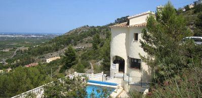 Photo for Quiet villa with pool and great views of the valley and the sea