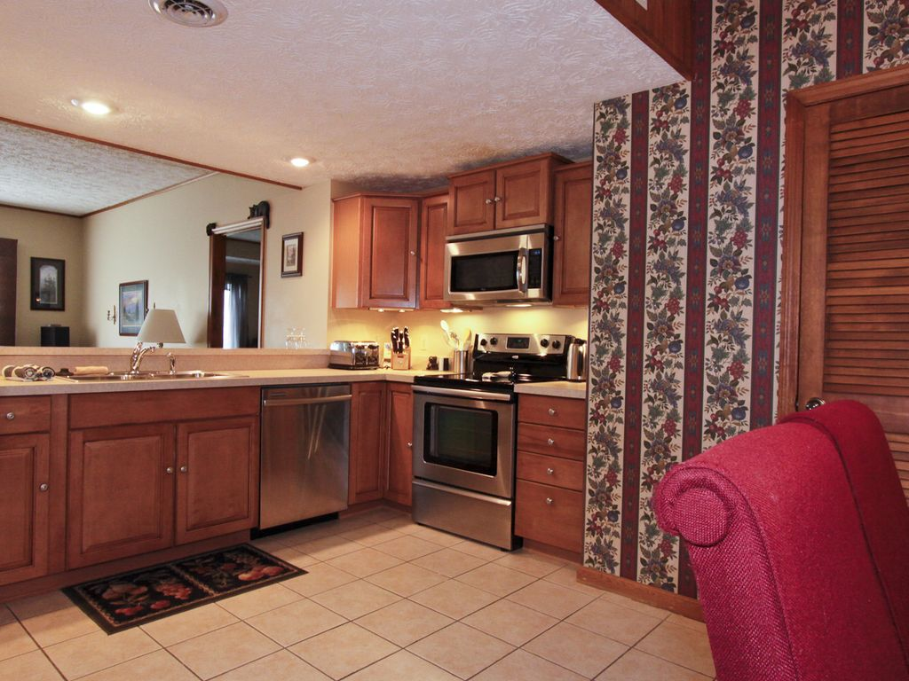 Beautiful Baths And Kitchens Beautiful Large Condo 1475 Sq Ft 3 Homeaway Chalet Village