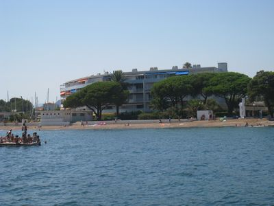 Photo for Appt. 3P. 64 m2 in residence with private beach opposite the Porquerolles Island