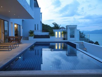 Photo for 5 Bedrooms Beach View Villa