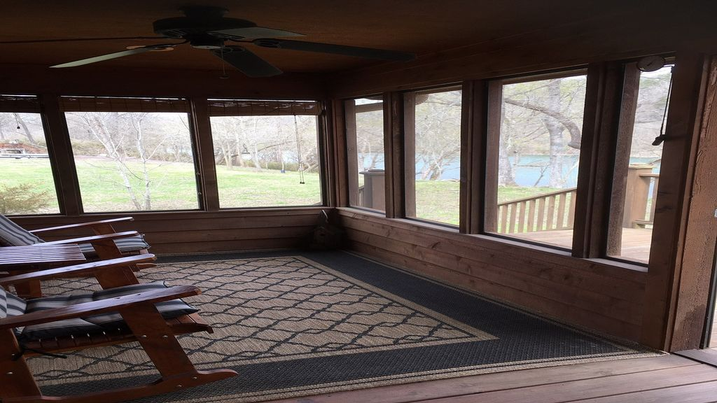 Property Image#5 Comfortable And Secluded Cabin On The White River
