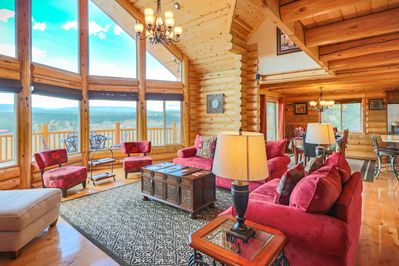 Lodge Great Room open plan is perfect for family get togethers
