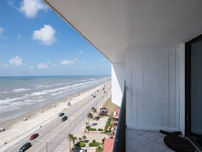 Newly Remodeled Beachfront Penthouse Located On Seawall Blvd!! Pool*Tennis*Wifi!