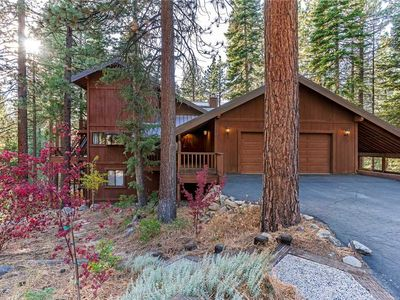 Photo for 451 First Green Dr: 4 BR / 2.5 BA  in Incline Village, Sleeps 12