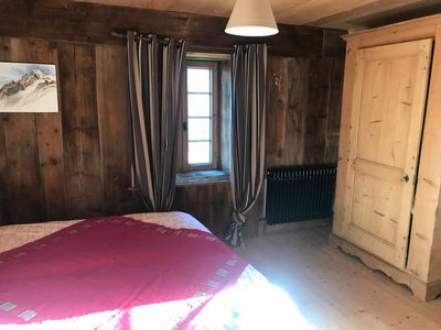 Photo for Spacious apartment in chalet facing Mont Blanc