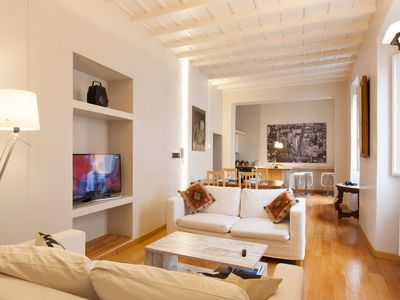 Photo for Charming Trastevere 3BR Apartment with AC and WIFI