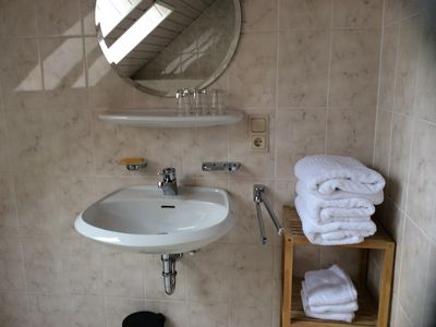 Photo for Two-bedroom with brand new kitchen and free parking within the premises.