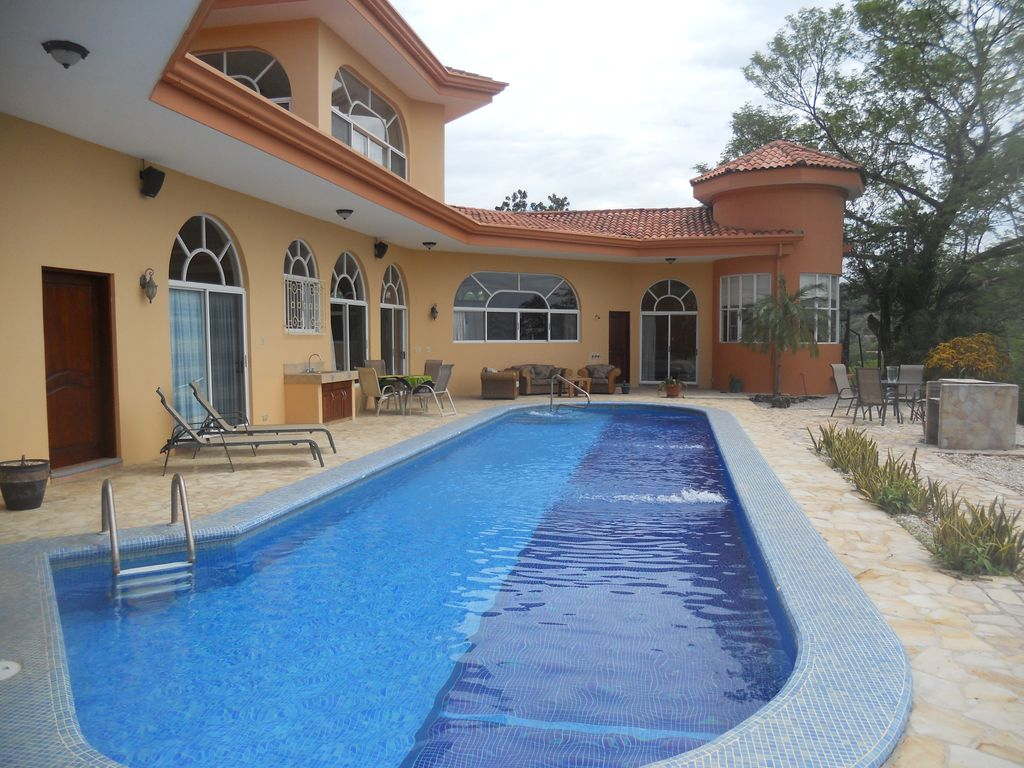 A Beautiful Accessible House With A 50 La VRBO